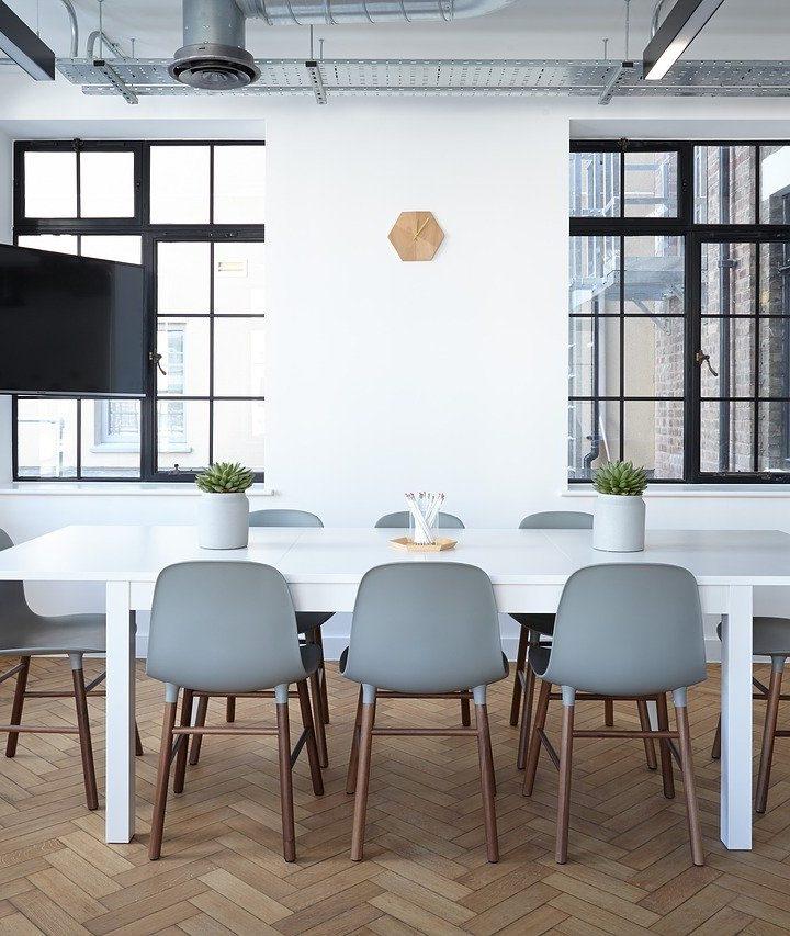 Designerskie piękne krzesła