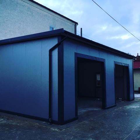 Stawianie garażu z płyty warstwowej