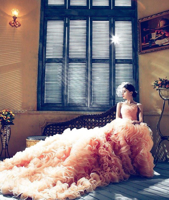 Tanie, a wciąż modne suknie ślubne