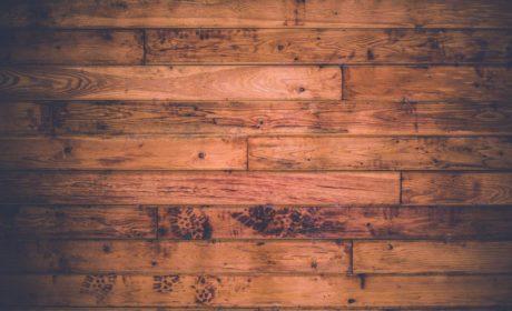 Zadbaj odpowiednio o drewniane podłogi aby wyglądały dobrze przez lata