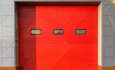 Solidne garaże z płyt warstwowych