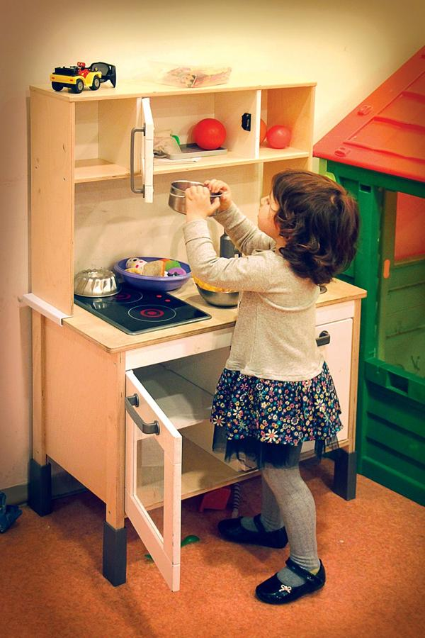 Zabawkowe kuchnie dla dzieci to godziny wspaniałej zabawy